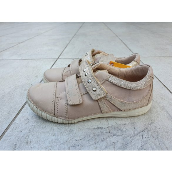 D.D.Step bőrcipő esztétikai hibás 036-67LEH-1